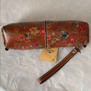 Patricia Nash Wristlet pouch 👝 TAN Prairie Rose